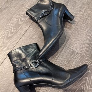 Anne Klein Leather Ankle Boots Size 7.5 Black